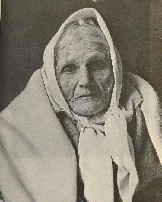 Fadhma Aït-Amrouche (cl N. Treatt) avec
